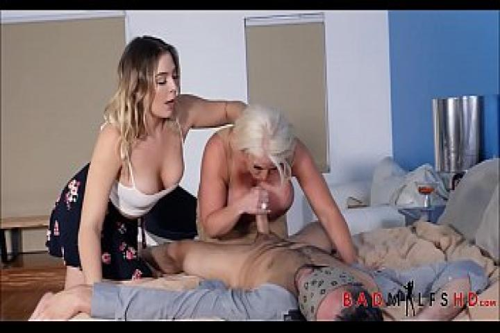 Мама, дочь и бойфренд. Горячий секс втроем